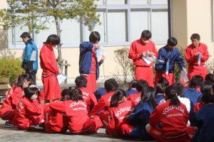 1学年学校周辺の環境美化活動を行いました