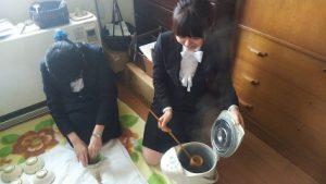 茶道部 春の茶会の様子です