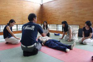 心肺蘇生法講習会(教職員対象)が行われました